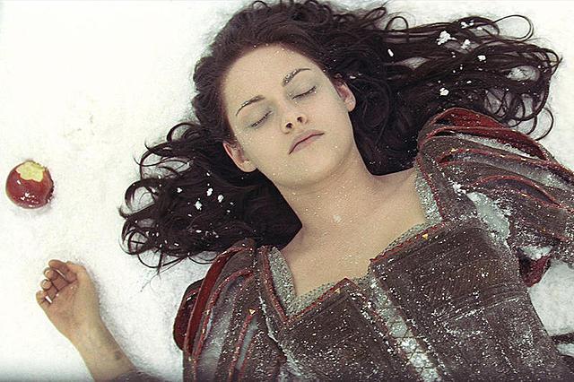 【全米映画ランキング】「スノーホワイト」首位 「アベンジャーズ」は全米歴代3位に