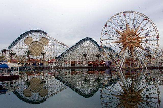 米ディズニーパークに「カーズ」のテーマランドがオープン
