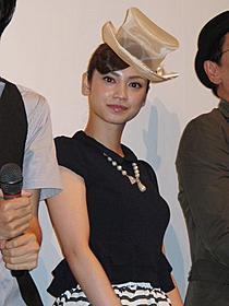草野監督との撮影中エピソードを語る平愛梨「からっぽ(2012)」