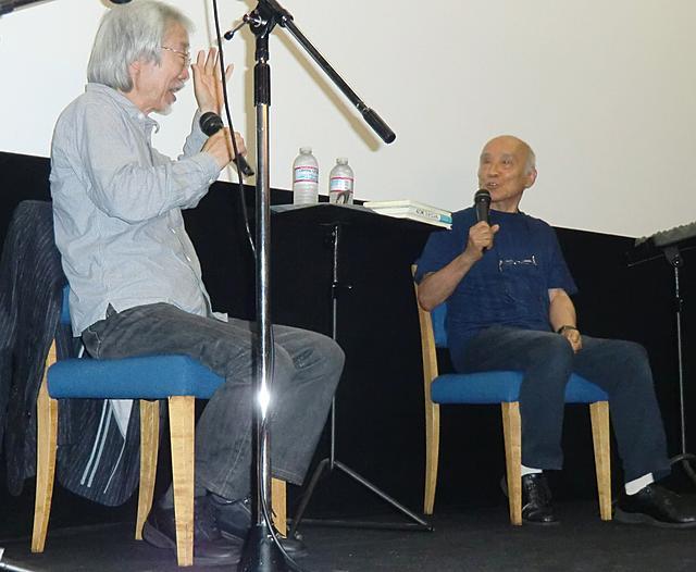 谷川俊太郎と小室等が少年時代を振り返り「鉄腕アトム」主題歌披露