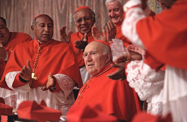 ギャガ「ローマ法王の休日」、満席の回続出