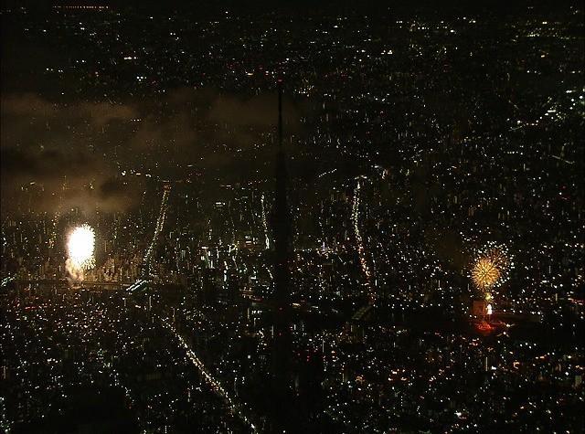 開業前の東京スカイツリーと隅田川花火大会の空撮写真を公開!