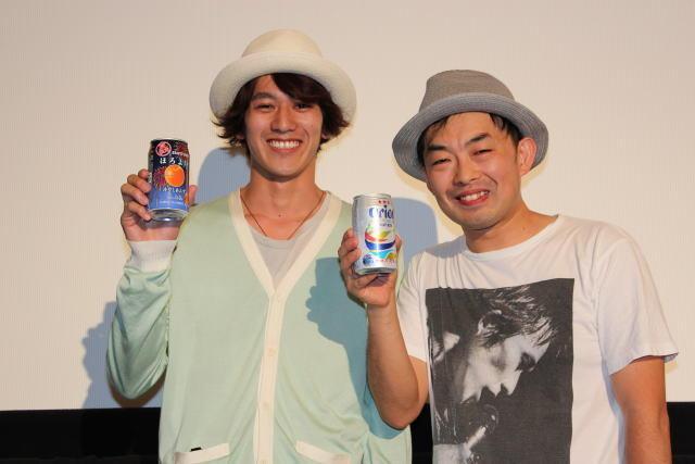 アルコール片手にトークショー を行った永山絢斗と細川徹監督