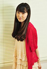 初々しい表情の松岡茉優「ポテチ」