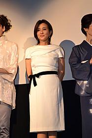 舞台挨拶に立った秋吉久美子