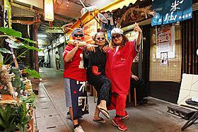 市場育ちのおばぁ3人がラップに挑戦「歌えマチグヮー」