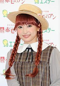 笑顔を見せる神田沙也加「赤毛のアン」