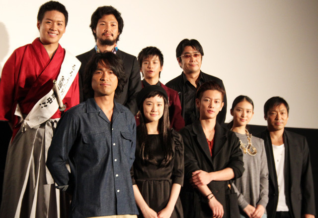 佐藤健「るろ剣」満席発進に感無量 大友監督は続編に含み