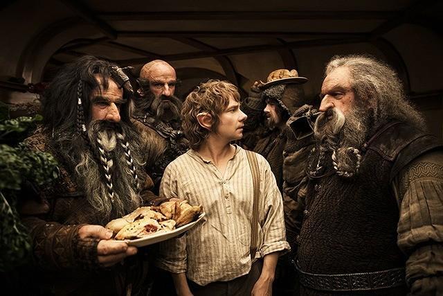 失われたドワーフ王国を取り戻すため、 ビルボは14番目の仲間として旅立つ!