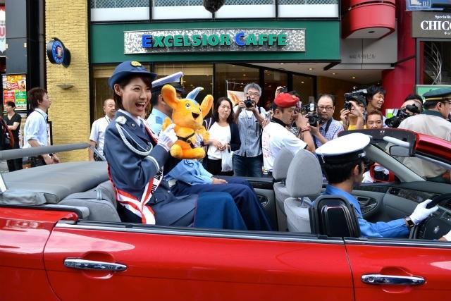 赤坂警察1日署長・瀧本美織、ピーポくん熱烈ラブコールに「私もファン!」