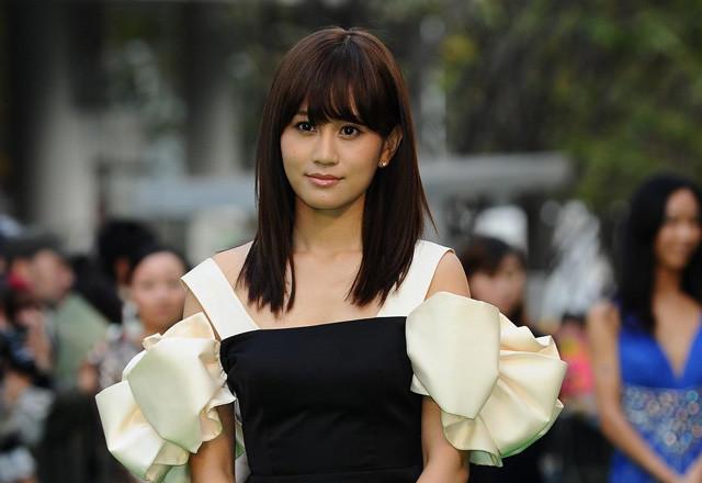 美脚披露の前田敦子に6000人が大歓声!「自然と笑顔で会話ができた」