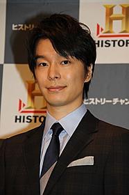 ヒストリーチャンネルのナレーターを務める長谷川博己