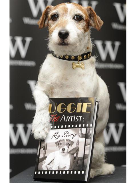 「アーティスト」の名犬アギーが自伝出版イベントに登場