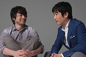 初共演を果たした堺雅人(右)と山田孝之「その夜の侍」