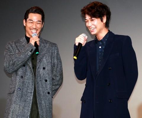 「ワーキング・ホリデー」で共演、親友のAKIRAと綾野剛にゲイ疑惑!?