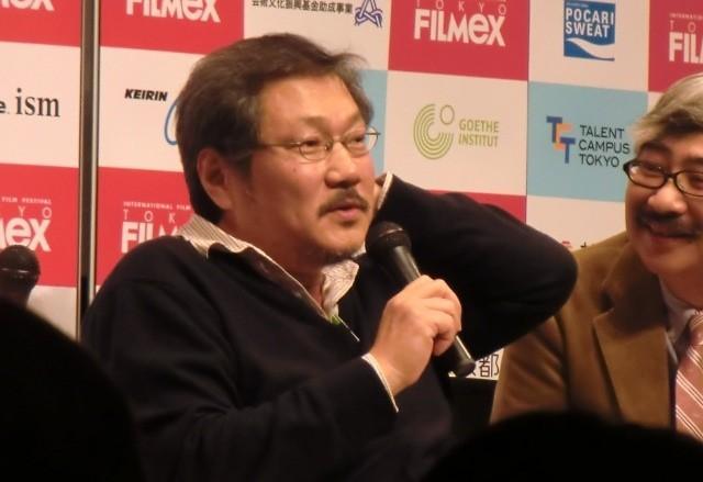ホン・サンス監督が来日 I・ユペール主演のカンヌ出品作「3人のアンヌ」を解説