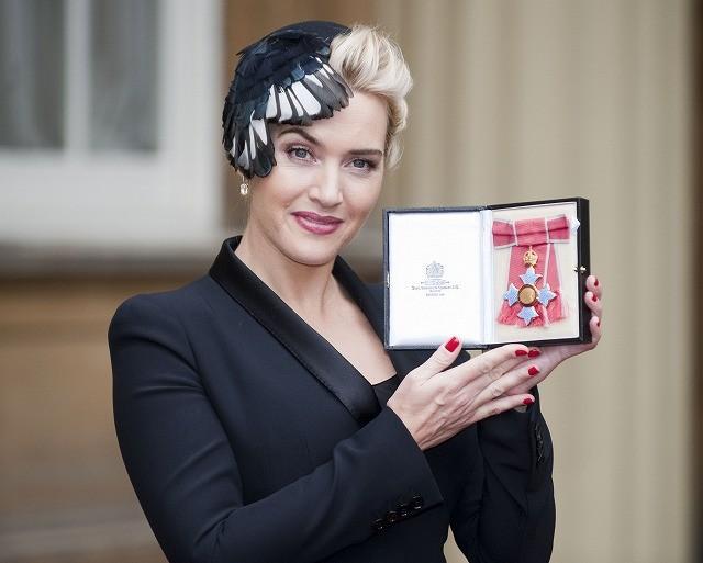 ケイト・ウィンスレットが大英勲章を受勲