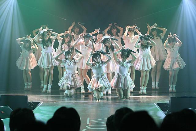 HKT48、劇場1周年公演で感激の涙 新曲「初恋バタフライ」も劇場初披露 - 画像2