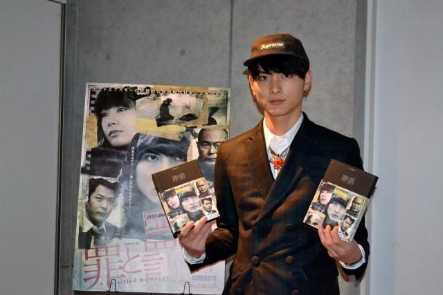 高良健吾、2012年は「苦手なことを楽しめた年」