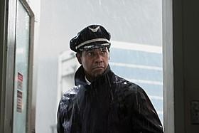 ゼメキス監督の12年ぶり実写復帰作「フライト」「フライト」