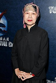 ハリウッドで活躍した石岡瑛子さん「白雪姫と鏡の女王」