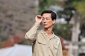 若き日の木下惠介を演じる加瀬亮「はじまりのみち」