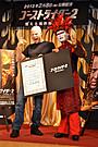 デーモン閣下「ゴーストライダー2」のテイラー監督と灼熱のサイン交わす