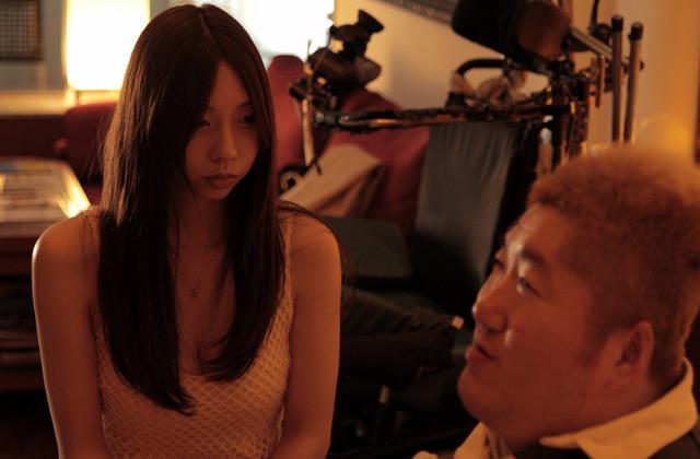 「暗闇から手をのばせ」に主演した小泉麻耶