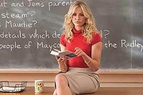 キャメロン・ディアスがセクシー教師に扮したラブコメ「バッド・ティーチャー」
