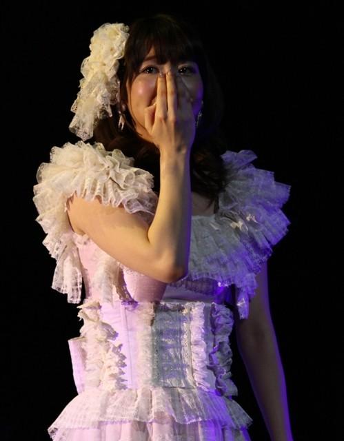 柏木由紀、2ndライブで熱唱中に感極まって涙!
