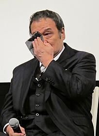 被災者からの感謝の言葉に涙を見せた西田敏行「遺体 明日への十日間」