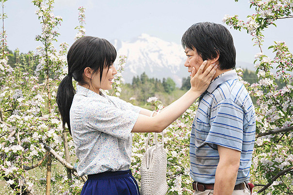 阿部サダヲ&菅野美穂「奇跡のリンゴ」予告完成!あきらめない心と家族の絆描く