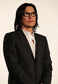「プラチナデータ」初日挨拶に 登壇した豊川悦司「プラチナデータ」