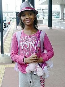 日本に到着したクワベンジャネ・ウォレスちゃん「ハッシュパピー バスタブ島の少女」