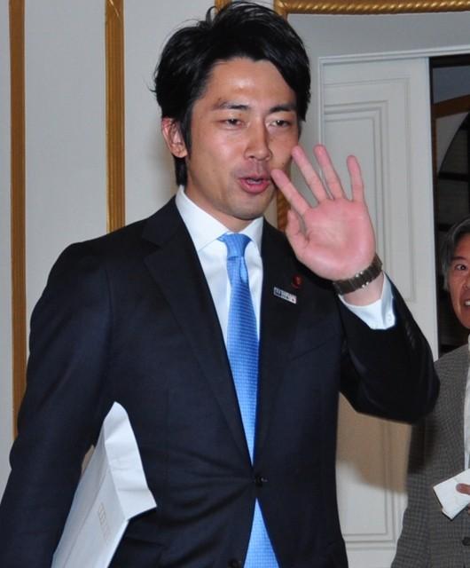 小泉進次郎議員、米公邸での映画上映会に出席も感想語らず