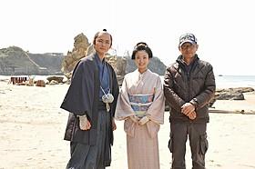 金沢で撮影に臨む上戸彩と高良健吾、朝原雄三監督「武士の献立」