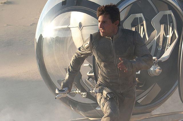 トム・クルーズ、全米のIMAX館生中継で新作「オブリビオン」を宣伝