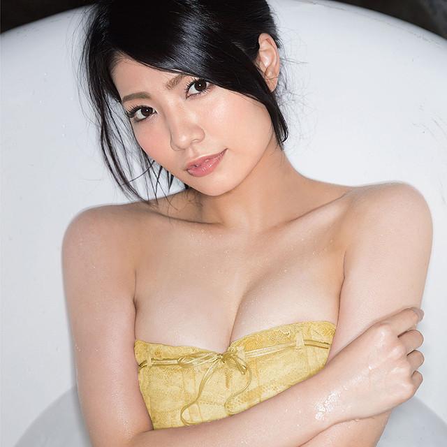 AKB48・倉持明日香のソロシングル、ワンコイン盤CDで「ジャケ1GP」開催