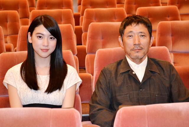 三吉彩花の初主演作「旅立ちの島唄 十五の春」に小林薫も太鼓判