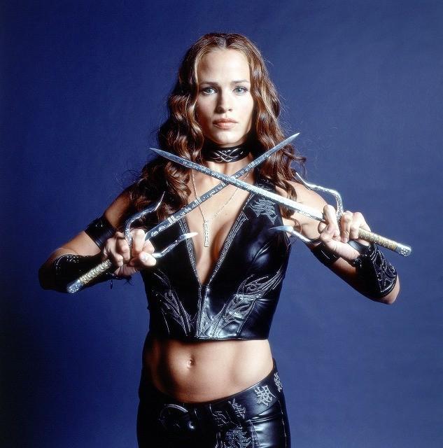 仏誌が選ぶスーパーヒーローのセクシーな恋人を演じた女優