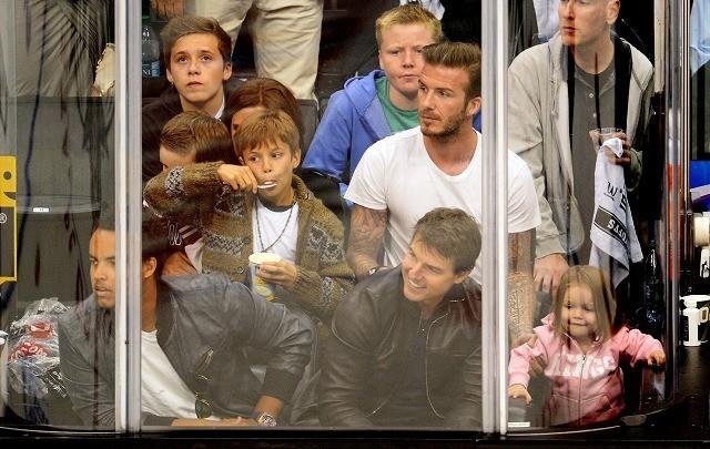 ベッカム一家とトム・クルーズ&息子コナー、揃ってホッケー観戦
