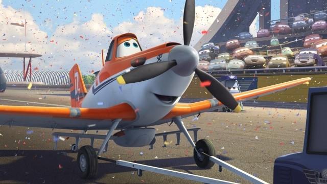 「プレーンズ」予告で飛行機たちが迫力満点の空中アクション!