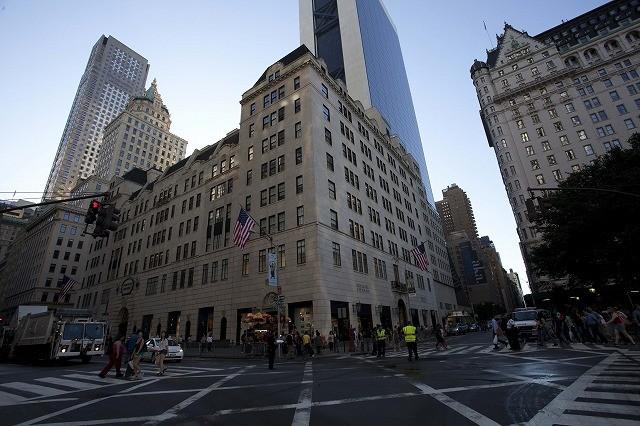 一流デザイナーが軒並み出演 NYの老舗デパートに密着したドキュメンタリーが公開