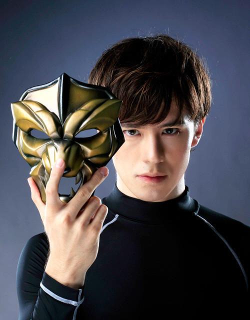 実写版「タイガーマスク」ビジュアル初公開!ウエンツ瑛士、渾身のアピール - 画像2