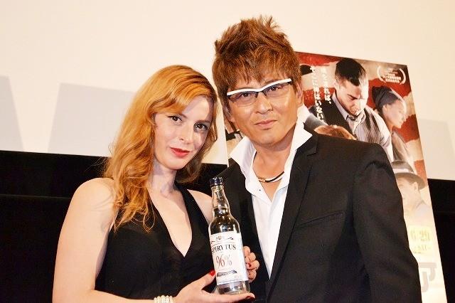 哀川翔、蒸留酒を飲み干すも即後悔「飲まなきゃよかった」