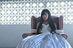 「リアル鬼ごっこ」緊迫のクライマックスで 人生初のウェディングドレス「リアル鬼ごっこ」