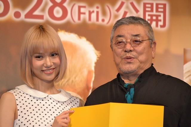 芸人志望の水沢アリー、中尾彬の助言で女優に転向?「全力で頑張る!」