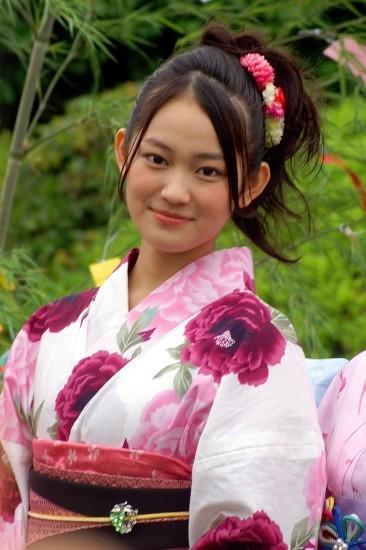 """吉本実憂""""世界的""""美少女になる!ユニットではドーム公演の夢"""