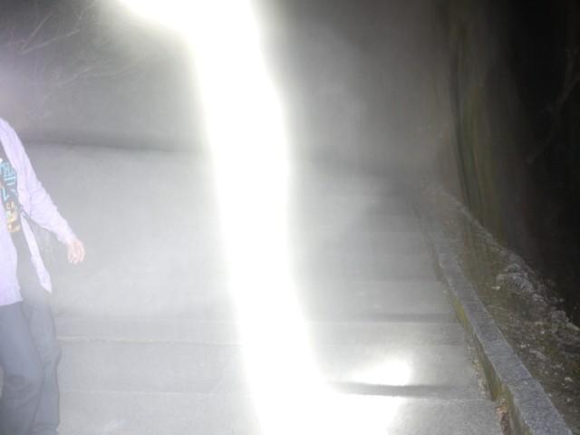 殴り込みGメンを襲う恐怖…「怪談新耳袋殴り込み!劇場版」新作の心霊写真入手 - 画像2