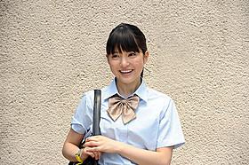 2人のイケメンから思いを寄せられる 女子高生を演じる川島海荷